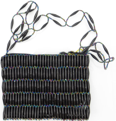 Beaded purse - black