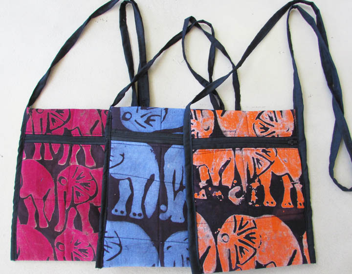 Shoulder strap purse - all over animals