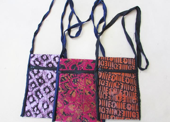 Shoulder strap purse - batik