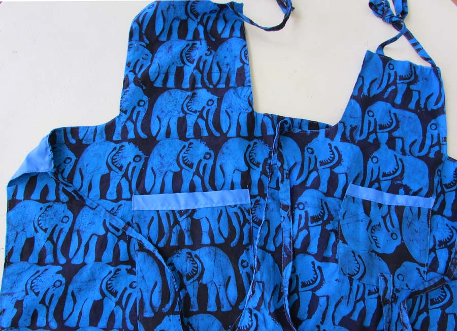 *Apron - blue elephants- Mom & Daughter